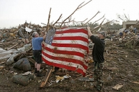 Pittsburgh resident who survived 1999 tornado returns to Oklahoma to help